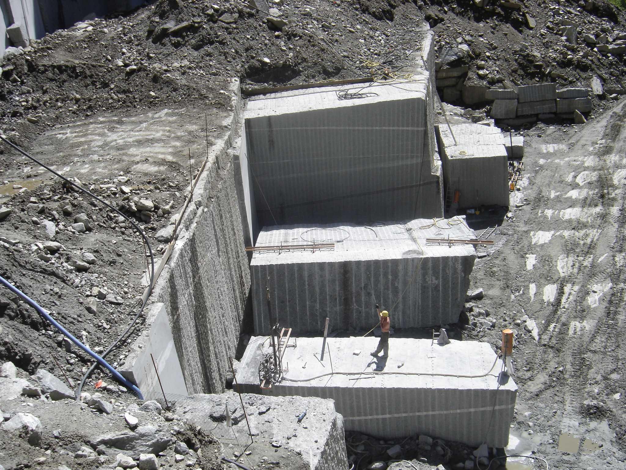 Volfi snc estrazione assograniti vco for Godi graniti